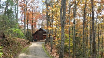 PRIVATE, SECLUDED yet conveniently located between Pigeon Forge and Gatlinburg