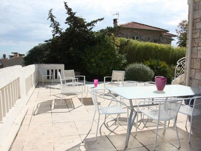Photo for White house: 4 bedrooms villa, garden, 600m from the beach