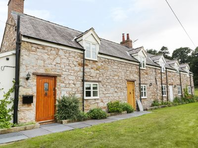Photo for BRYN FARM COTTAGE, family friendly in Mold, Ref 977084