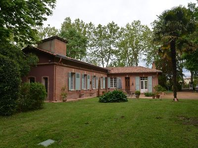 Photo for Magnificent hunting lodge 20 km from TOULOUSE