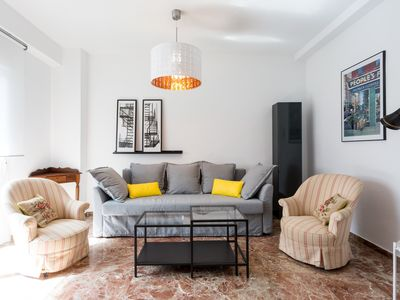 Photo for Apartment 105 m from the center of Seville with Internet, Air conditioning, Lift, Terrace (690587)
