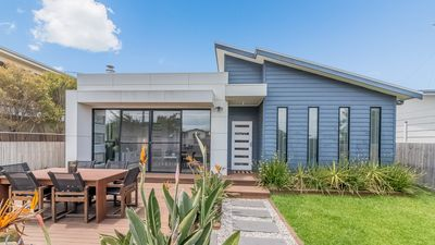 Photo for 9 Sunderland Bay Road, Surf Beach