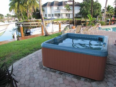 4 person hot tub operates from December 1st to April 30