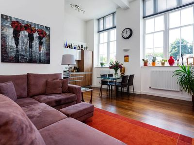 Photo for Open and bright 1 bed apartment located in popular Islington (Veeve)
