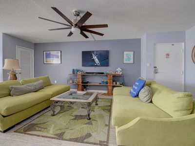 Cozy Ground Floor Pool Access 2BR/2B