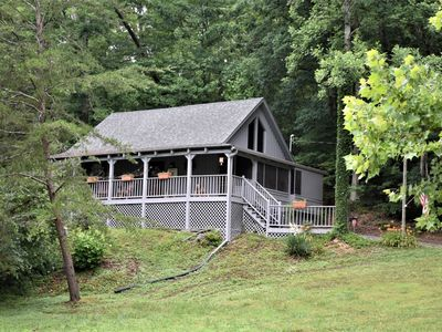 Photo for The Pine Cone Cottage. Secluded, No Mountainous Roads, 5 miles. to Pigeon Forge