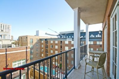 Savannah Getaways - Balcony Penthouse with Two King Ensuites