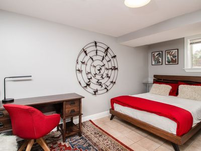 Photo for ♡ Modern & Chic 2BR ♡ Free Parking