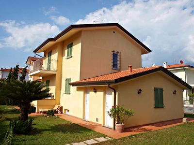 Photo for VILLA ROSA - rent for holiday detached house Lido di Camaiore -
