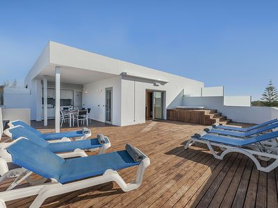 Photo for Apartment Casa Rosa 1B with Large terrace and Jacuzzi, Family, couples