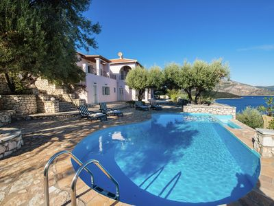 Photo for Superb 4-10 pers villa, pool and with phenomenal views of the sea and islands