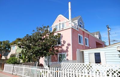 Photo for Spacious 3 Bedroom with Ocean View - Steps To Beach and Bay! Sleeps 9
