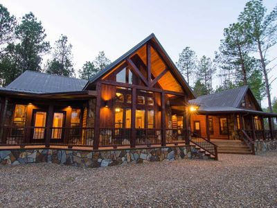 Photo for The Great Escape Lodge - (4 Bdrm) (High Lux)(HOT TUB)
