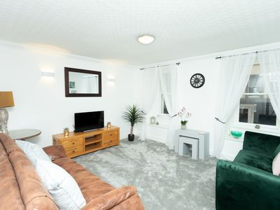 Photo for 1 Bedroom Deluxe Ensuite with Shower-City View