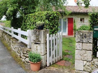 Photo for Country house, located on the edge of the Dordogne