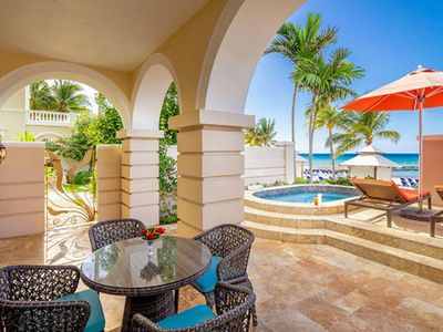 Photo for fabulous 1 Bedroom Condo with Ocean and Pool View.