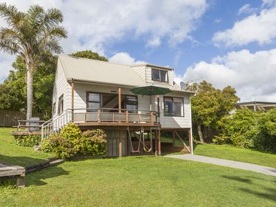 Photo for Hot Water Beach: 'Taumata' Holiday Home