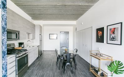 Sonder | The Western | Lovely 2BR + Rooftop