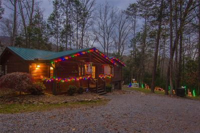 Welcome to Christmas at Webb Creek Hideaway! We are decorated inside & out!