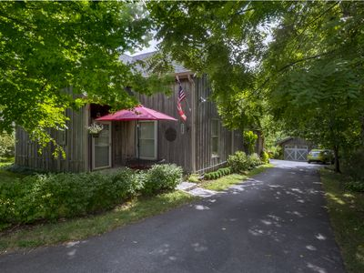 Photo for Charming Cottage Conveniently Located In The Heart Of Horse And Bourbon Country