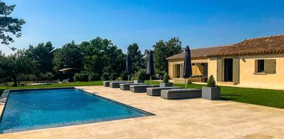 Photo for Stunning 5 * villa with spectacular views in Ménerbes