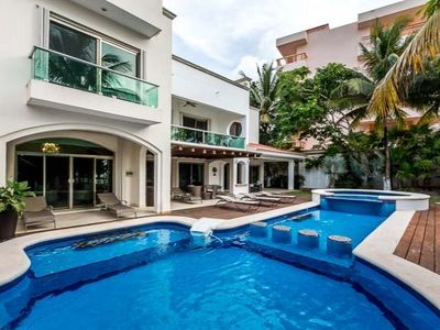 Photo for Beachfront, Amazing Pool/Jacuzzi, Pool Table