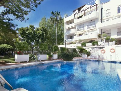 Photo for Torremolinos Apartment, Sleeps 6 with Pool, Air Con and Free WiFi