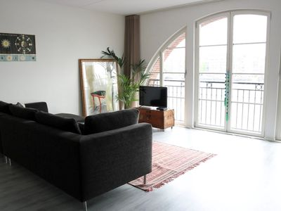 Photo for Spacious and luxury apartment close to Central Station - view on river IJ