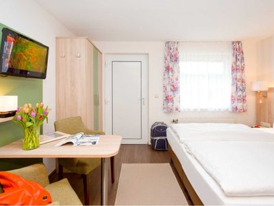 Photo for Double Room with Kitchenette (H) - REB Ferienpension am Neuensiener See with lake view