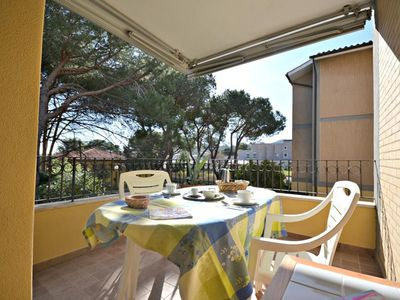 Photo for Centrally Located with a View of the Greenery - Apartment Marina di Campo