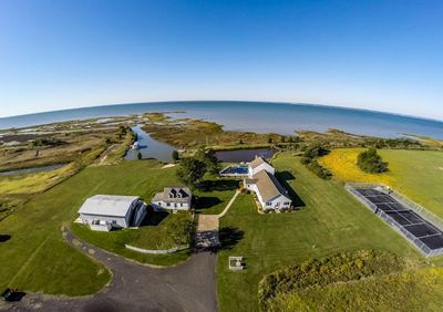 3 homes on 250 acres of raw beauty & abundant wildlife - right on the Bay