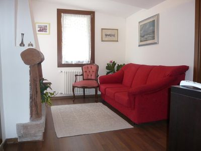 Photo for CASA ANGELO, 4 MINUTES BY WALK TO THE RIALTO BRIDGE, NICE BALCONY OVER THE CALLE
