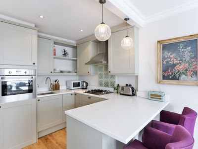 Photo for Lovely large one bed flat near Victoria in Pimlico