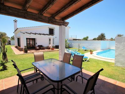 Photo for Beautiful and large house with private pool for 6-7 persons just 500m from Conil