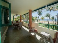 A wonderful stay in this beautiful ocean-front condo.