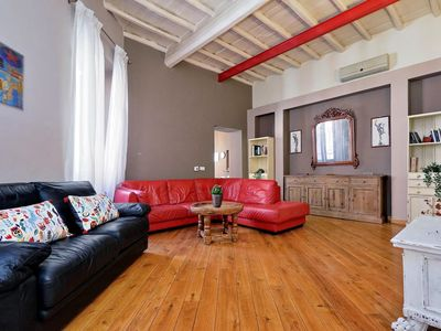Photo for Spacious Panisperna apartment in Centro Storico with WiFi & air conditioning.