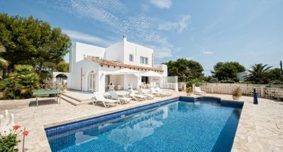 Photo for Exclusive Villa with Perfect Location and Private Pool !