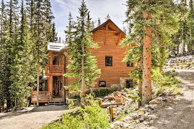 Explore the beautiful Mosquito Range from this Fairplay vacation rental cabin.