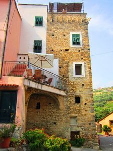 Photo for Characteristic apartment, stone walls, 6 persons, terrace, barbecue, parking.