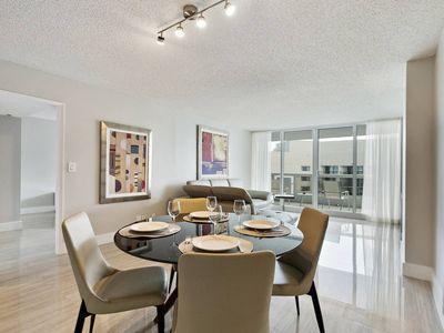 Photo for Downtown Miami 3444 | Luxury 1BR Waterfront Condo | Free Valet Parking