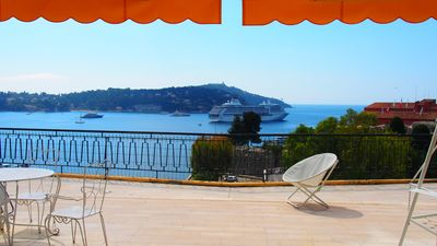 Photo for A beautyfull and calm apartment with an asthonishing view in the south of France