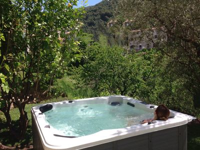 Photo for Lodge 40m2 charming private garden, outdoor jacuzzi village center