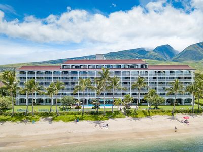Photo for BEST BEACHFRONT LOCATION IN LAHAINA!95+5 star reviews*No Resort Fees $4 parking