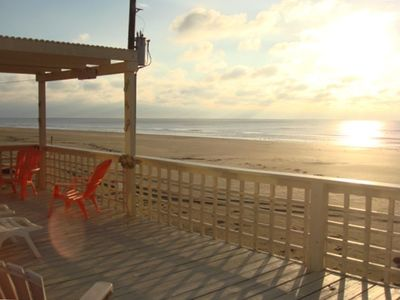 'Little Sunshine' - Charming updated and well maintained Beachfront House