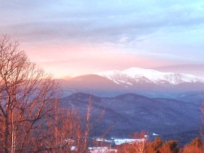 Photo for Cozy 3 bedroom White Mountain Home minutes from Hiking Trails and Storyland