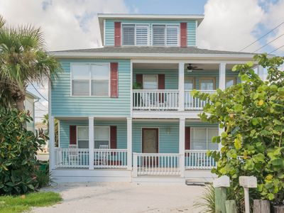 Photo for Beautifully decorated 3 bedroom 2.5 bath home, seconds from the beach. 1800H