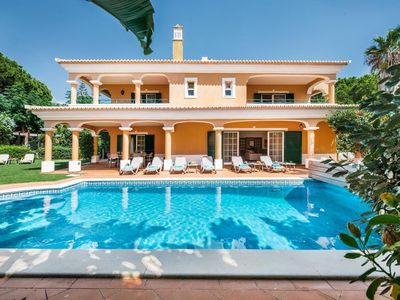 Photo for Beautiful Vale  do Lobo Villa close to beach with private pool L613