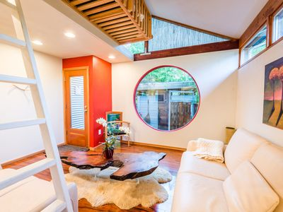 Spa Retreat In Vibrant Greenwood, Seattle. Centrally Located.