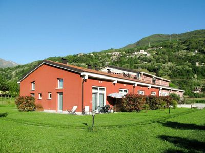 Photo for Cosy apartment for 4 guests with A/C, WIFI, TV, pets allowed and parking