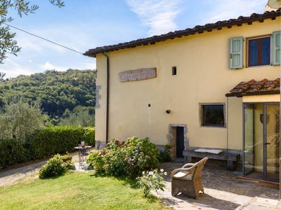 Photo for Charming, rustic countryside villa in Tuscany; WiFi, pool, hot tub, much privacy